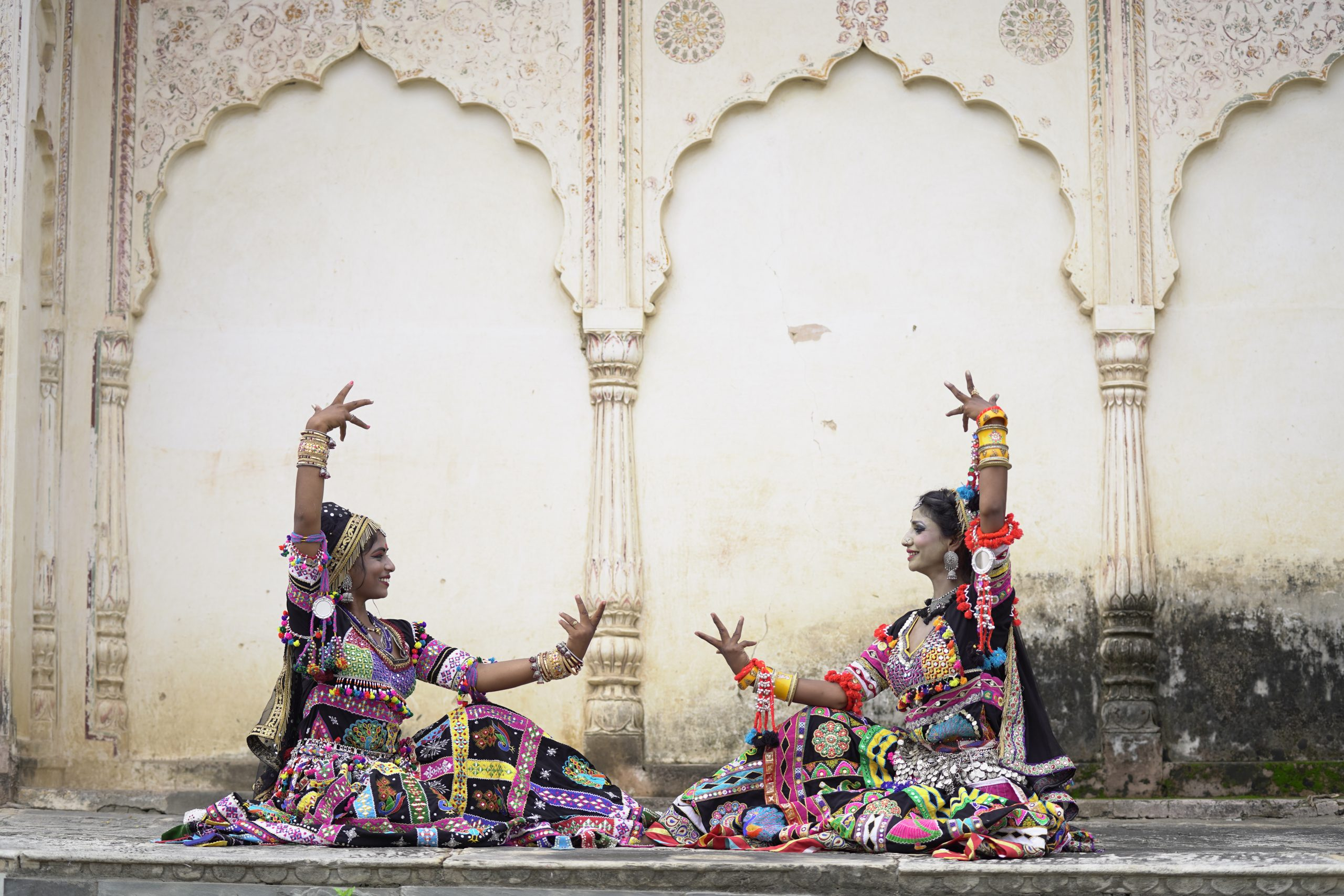 Rekha and Mamta Kalbeliya dance teachers